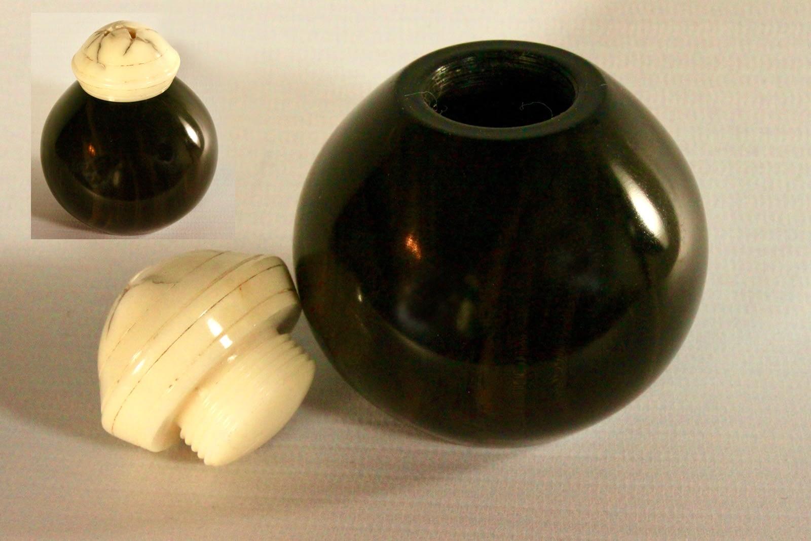 Hand threaded 'potion pot'